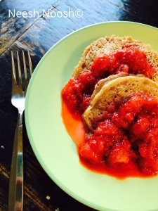 Korach: Pancakes with strawberry compote
